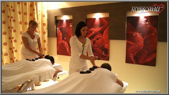 Beispiel: Massage, Foto: Alpen-Herz.