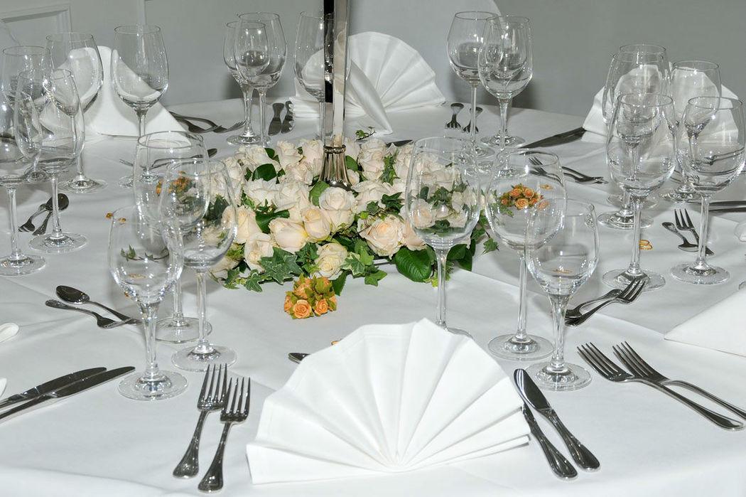 Beispiel: Tischdekoration, Foto: Clausen´s Vierländer Landhaus.