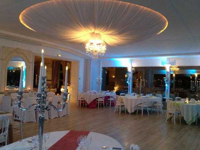 la salle de dîner du Manoir, allant jusqu'à 160 personnes