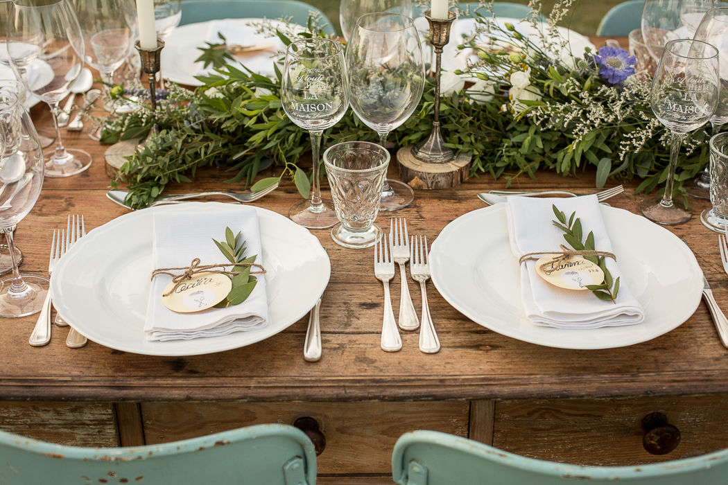 Gli arredi vintage presenti in location,sono diventati fonte di ispirazione per il progetto...F&I destination wedding