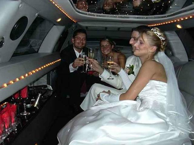 Beispiel: Auf dem Weg zum Altar, Foto: Action Limousine.