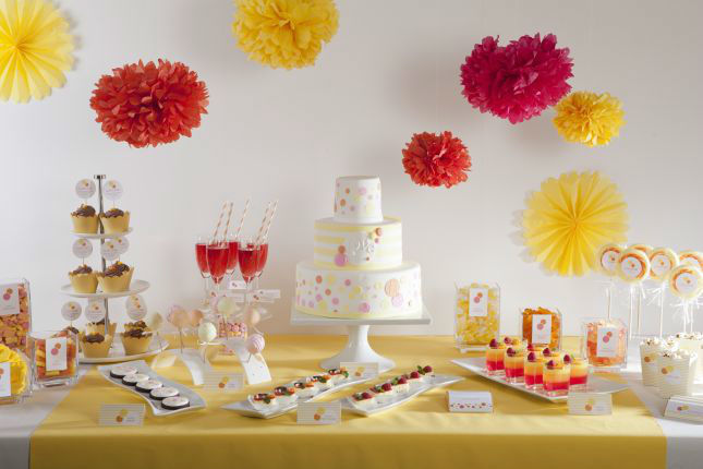 Beispiel: Hochzeitspapeterie Bubbles, Foto: Sweet Candy Table.