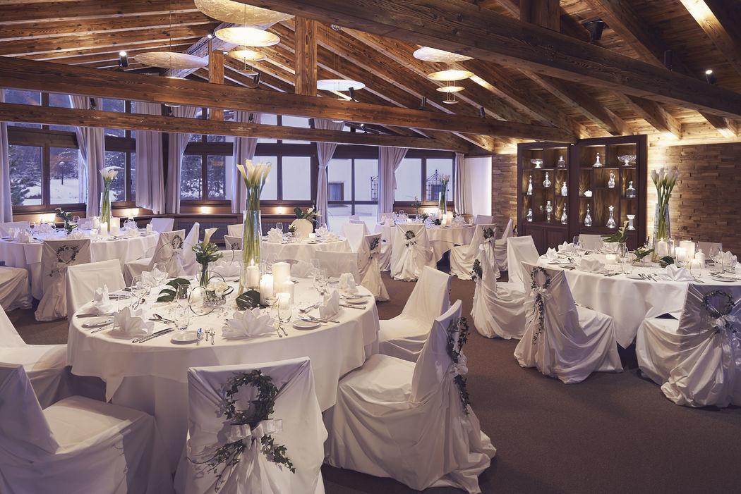Traumhochzeit im Waldhuus Dream wedding at Waldhuus
