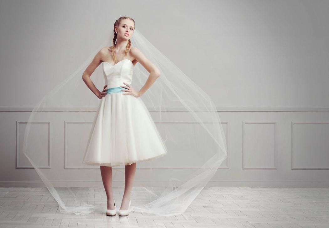 model Fiffi, Annais by Ola La