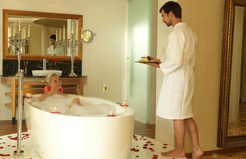 Beispiel: Hochzeitsnacht im Luxus, Foto: Hotel des Balances.