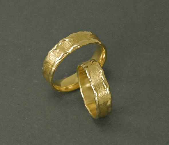 Beispiel: Ringe der Reihe Handabdruckringe, Foto: Das Schmuckwerk.