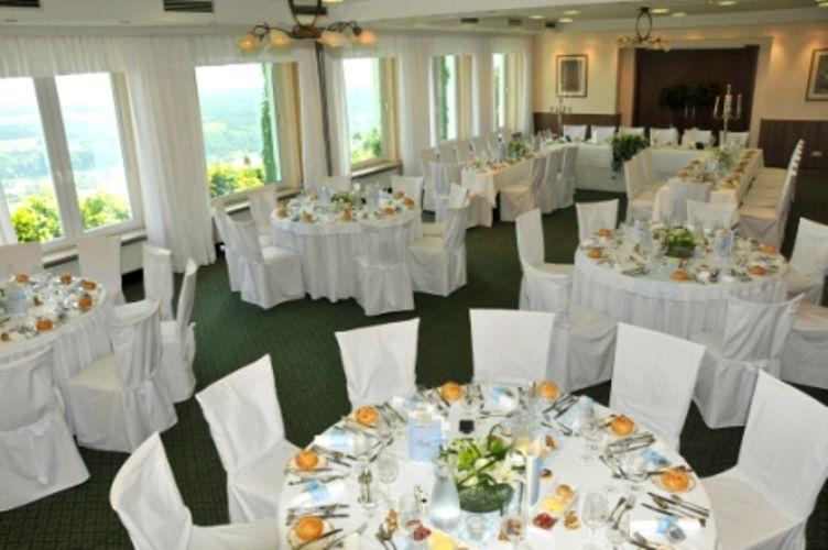 Beispiel: Hochzeitsgedecke, Foto: Hotel Schachner.