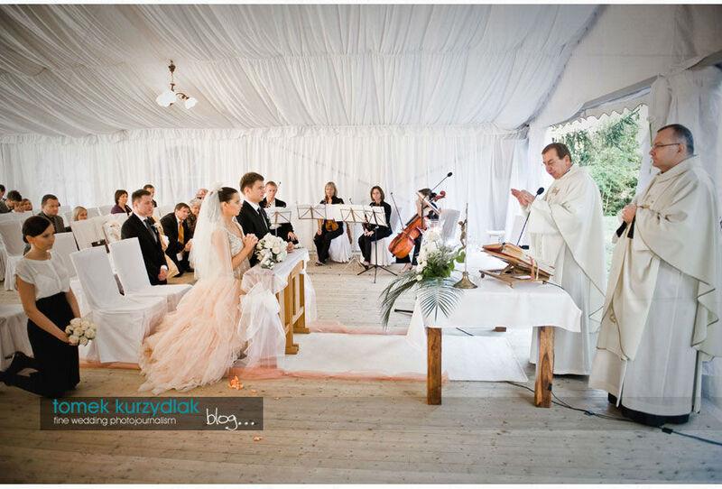 ślub kościelny pod namiotem też jest mozliwy - tu na Mazurach