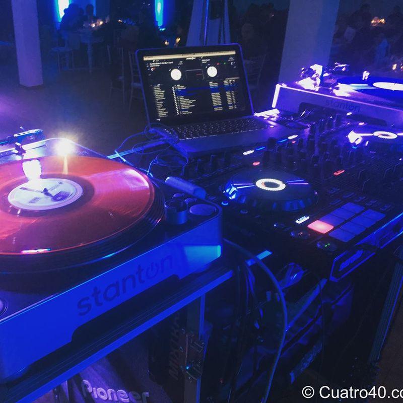 Diego & Catalina  Cuatro 40 Eventos