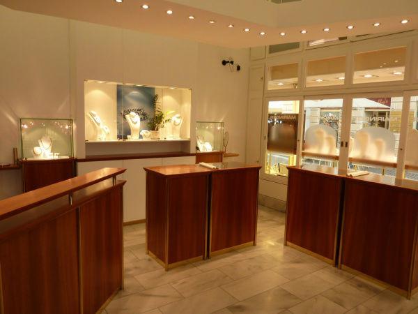 Beispiel: Verkaufsräume am Dr.-Arthur Lemisch Platz, Foto: Juwelier Mairinger.