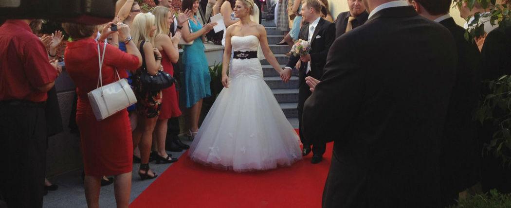 Beispiel: Hochzeitsgesellschaft, Foto: Hotel Chirstkindlwirt.