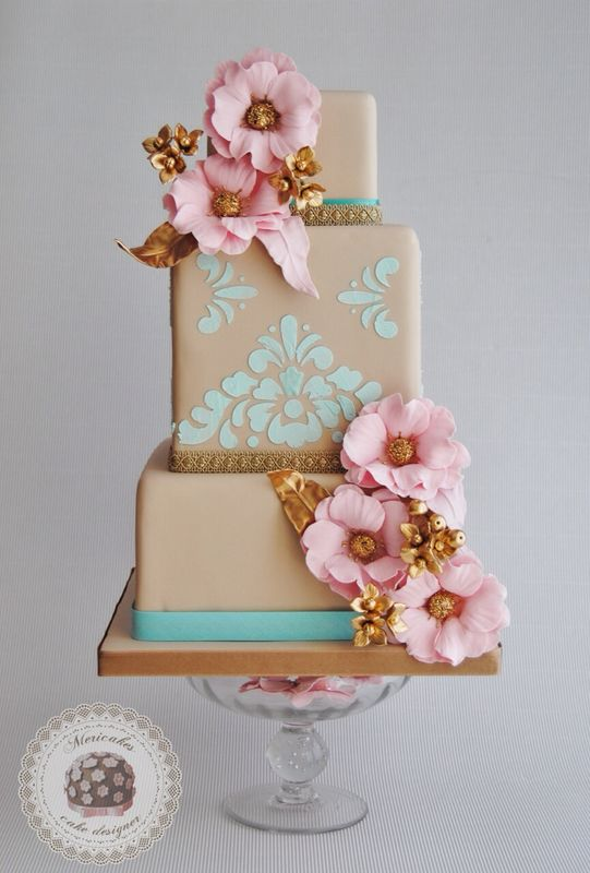 Versailles wedding cake