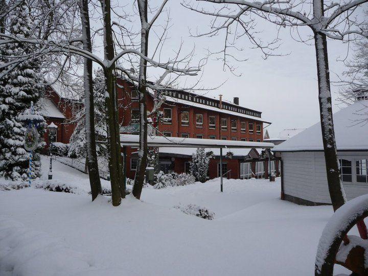 Beispiel: Hotel im Schnee, Foto: AKZENT Hotel Brüggener Klimp.