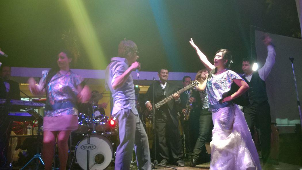Grupo Musical Los Únicos... Toda la actitud!