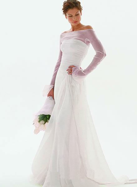Beispiel: Umfangreiches Sortiment an Brautmode, Foto: Zoro Sposa.