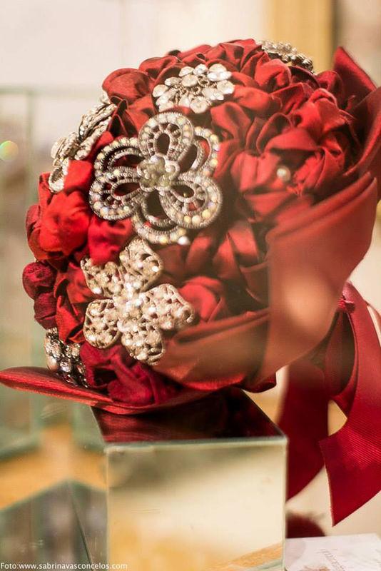 Buquê vermelho - Atelier Andrea Figueiredo