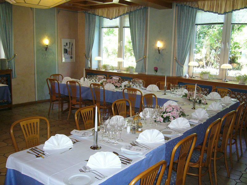 Beispiel: Festliche Tafel, Foto: Restaurant Prinzenquelle.