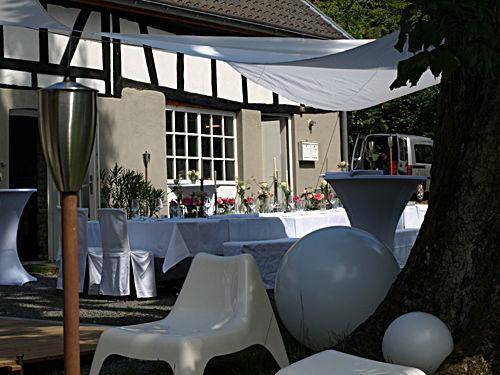 Beispiel: Außenbereich - Lounge, Foto: Kupfersiefer Mühle.
