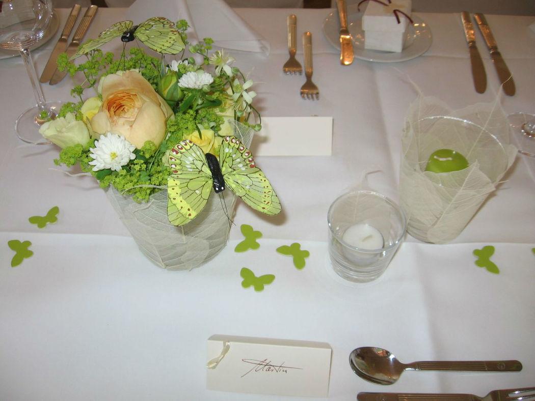 Beispiel: Gestaltung der Hochzeitstafel, Foto: blumenwerkstatt frankfurt.