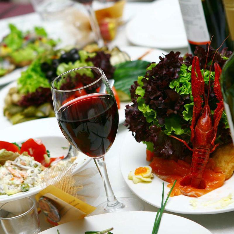 Beispiel: Erlesene Weine und Speisen, Foto: Hotel Chirstkindlwirt.