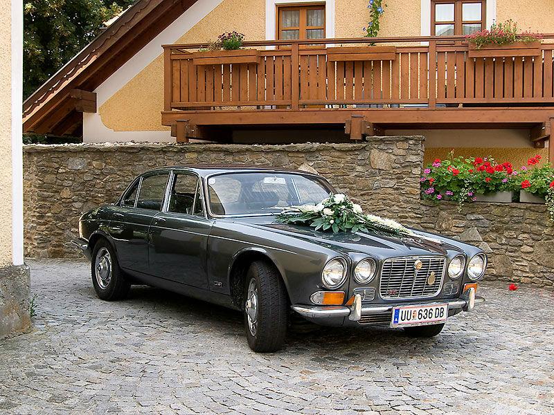 Beispiel: Das etwas andere Hochzeitsauto, Foto: Royal Classics Oldtimer.