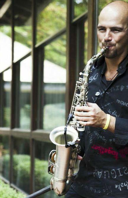Sassofonista per matrimoni e eventi