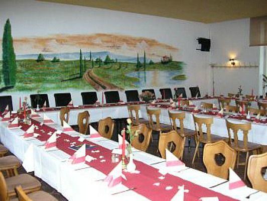 Beispiel: Tischdekoration, Foto: Zur Schuhleiste.