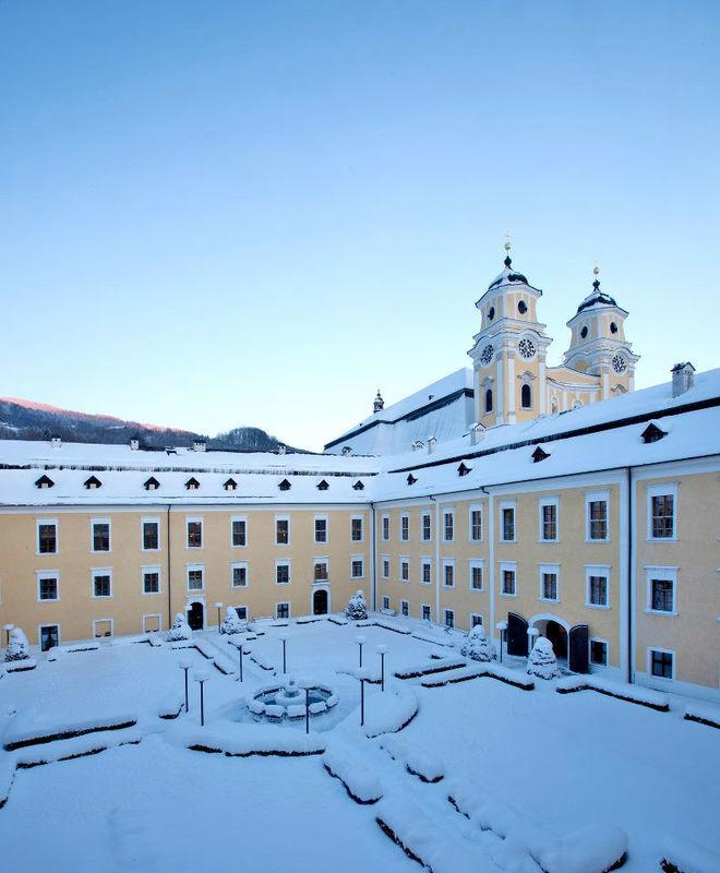 Beispiel: Schloss im Schnee, Foto: Romantik Hotel Schloss Mondsee.