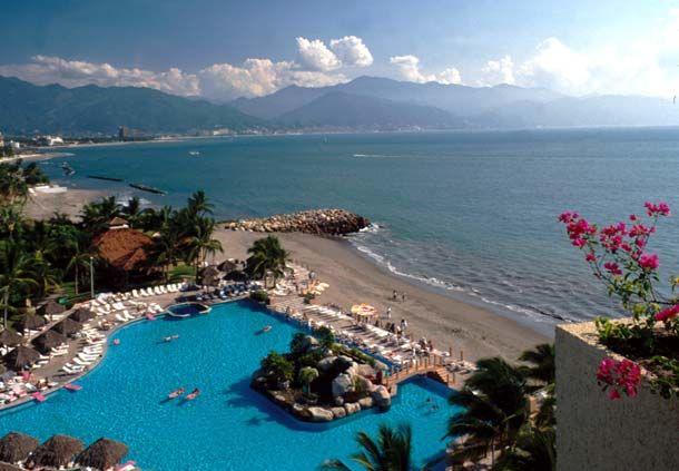 Boda en la playa de Puerto Vallarta en el Hotel Casamagna de Marriott