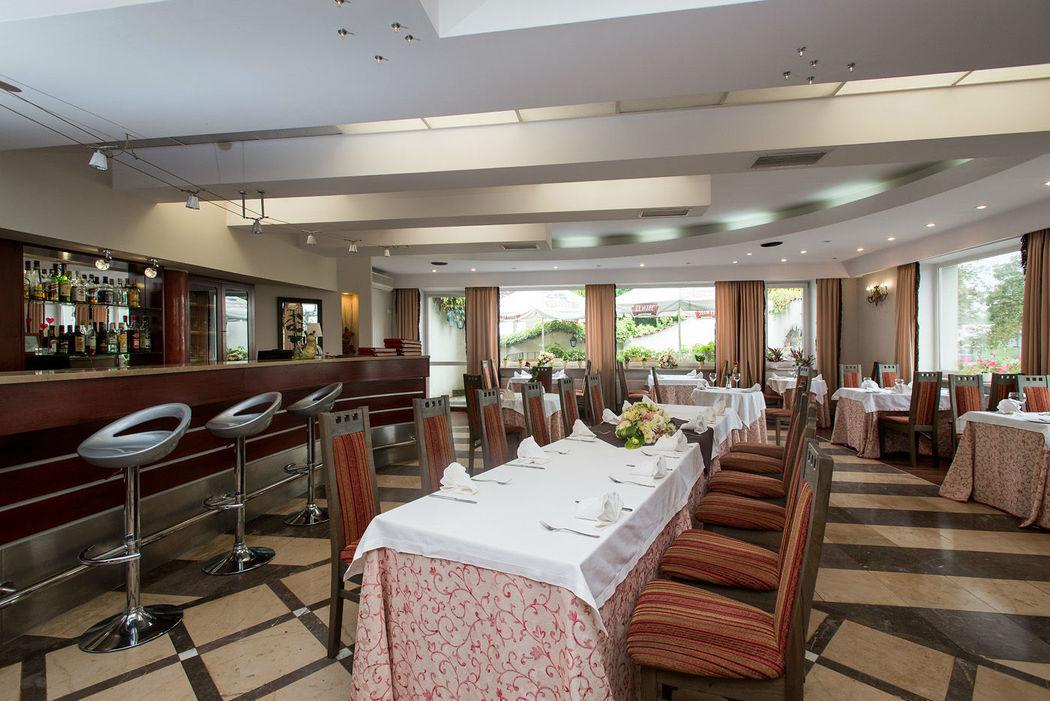 Montemarco Hotel i Restauracja - sala restauracyjna.