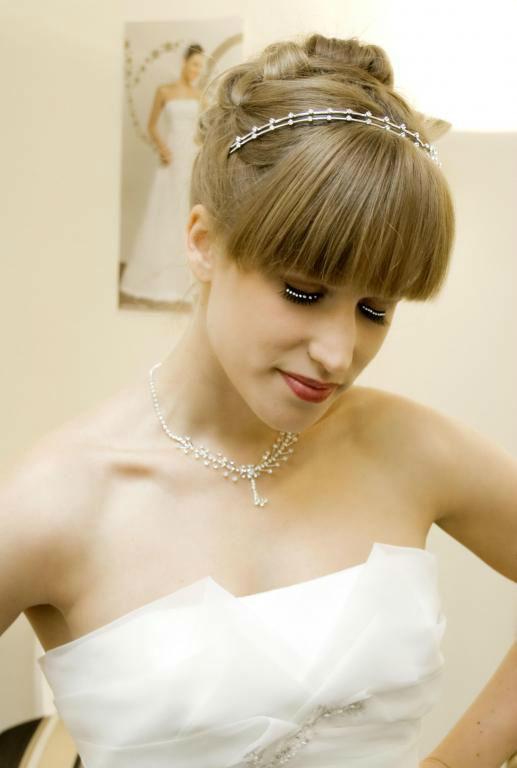Beispiel: Blonde Braut, Foto: Styling Lounge.