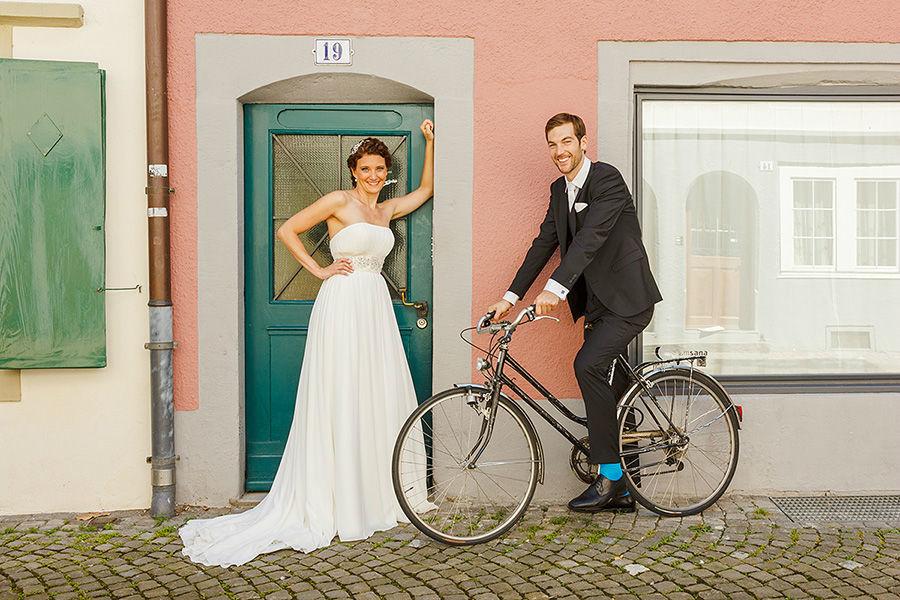 Beispiel: Moderne Hochzeitsfotos, Foto: Sandra Stamm Fotografie.