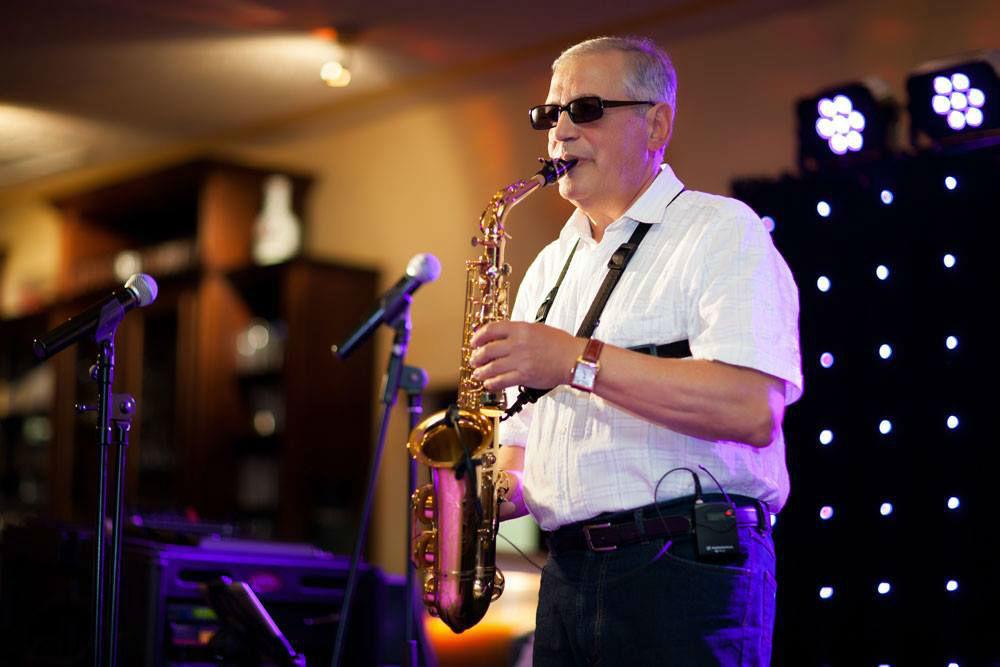 Beispiel: Saxophon, Foto: Showband VIP.