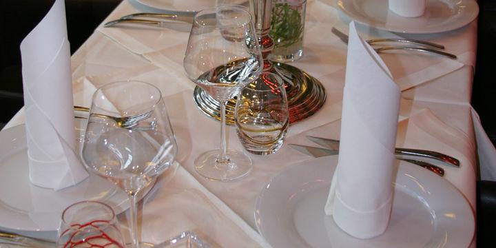 Beispiel: Tischdekoration, Foto: Tiziano Schlosslounge.