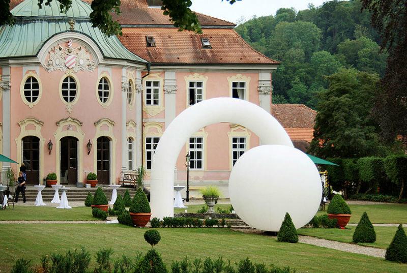 Beispiel: Gartenschmuck, Foto: Schloss Assumstadt.