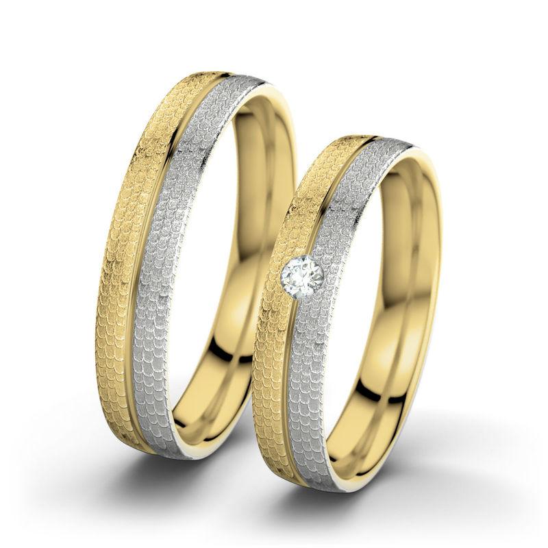 Beispiel: Cathrine & William - Palladium, Gelbgold (hammermatt), Foto: 21 Diamonds.