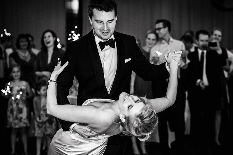 Beispiel: Hochzeitsfotos in Schwarz.Weiß, Foto: Kajul Photography.