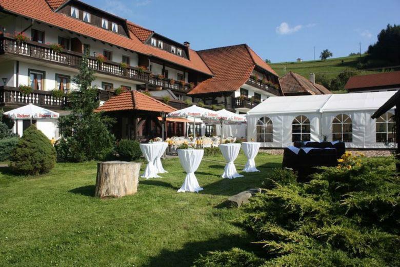 Beispiel: Garten, Foto: Hotel-Restaurant Zum Fröhlichen Landmann.