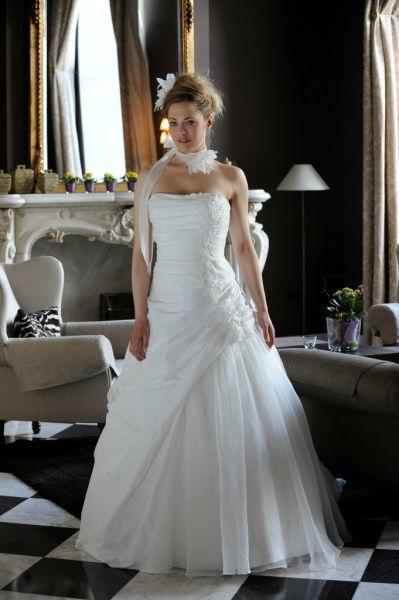 Beispiel: Wunderschöne Brautkleider, Foto: Bea's Brautmode.