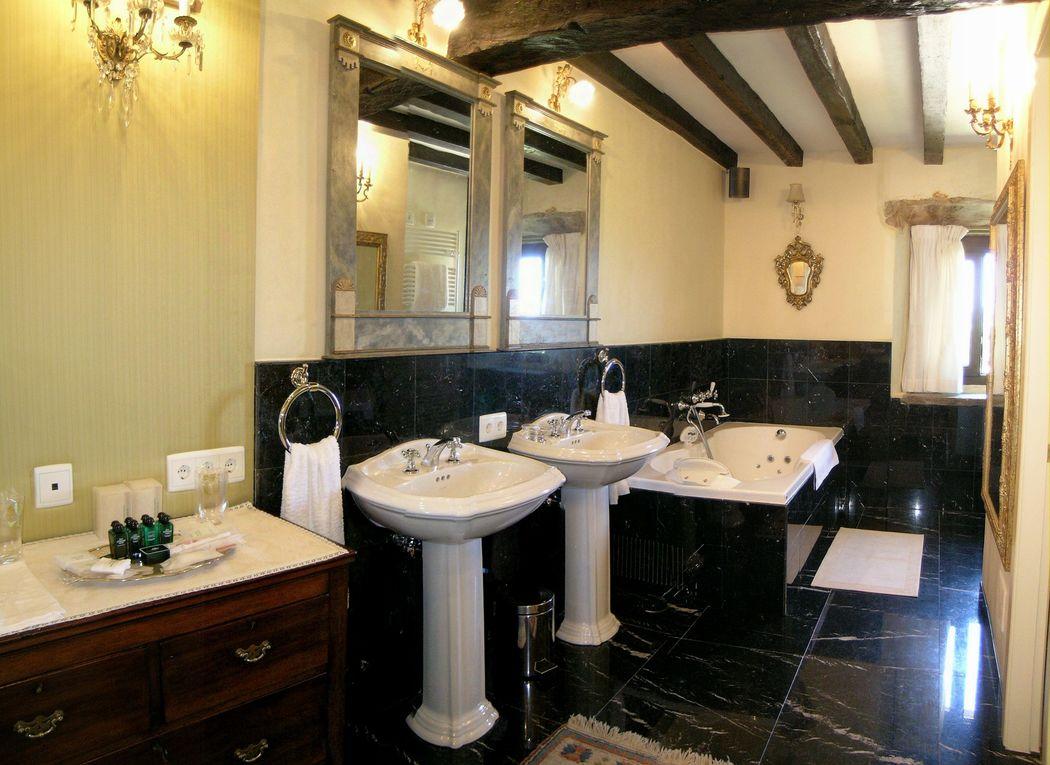 Baño Suite con bañera hidromasaje
