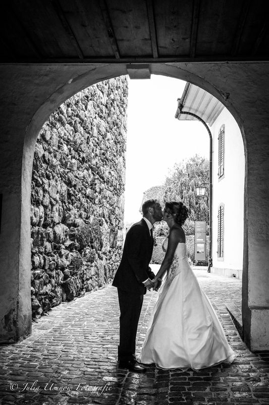 Brautpaarshooting im Schloss Spiez 2016 © by Julia Usunow Fotografie www.julia-usunow.ch