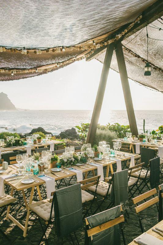 Banquete de boda junto al mar