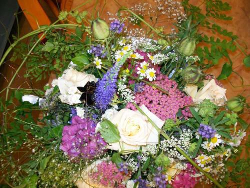 Beispiel: Wunderschöne Brautsträuße, Foto: Blumen Reinhard.