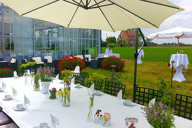 Beispiel: Außenbereich - Tafel, Foto: Gwächshaus.