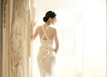 Beispiel: Brautkleid Rücken frei, Foto: Noviamor.