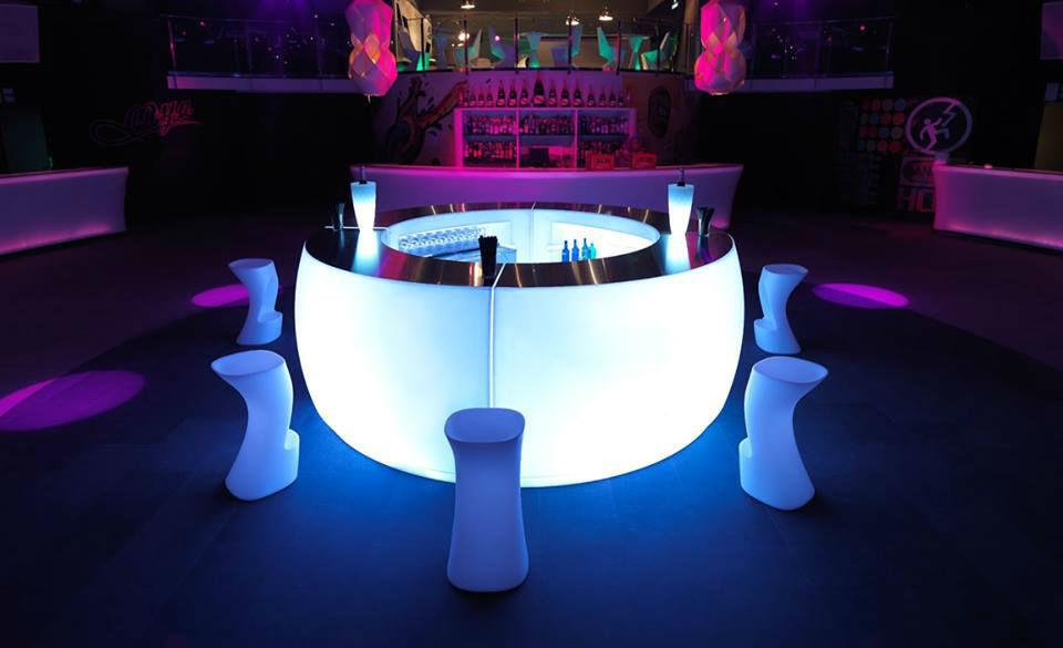 The White Rose Wedding open bar
