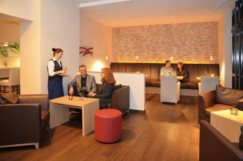 Beispiel: Lobby, Foto: AKZENT Hotel Surendorff.