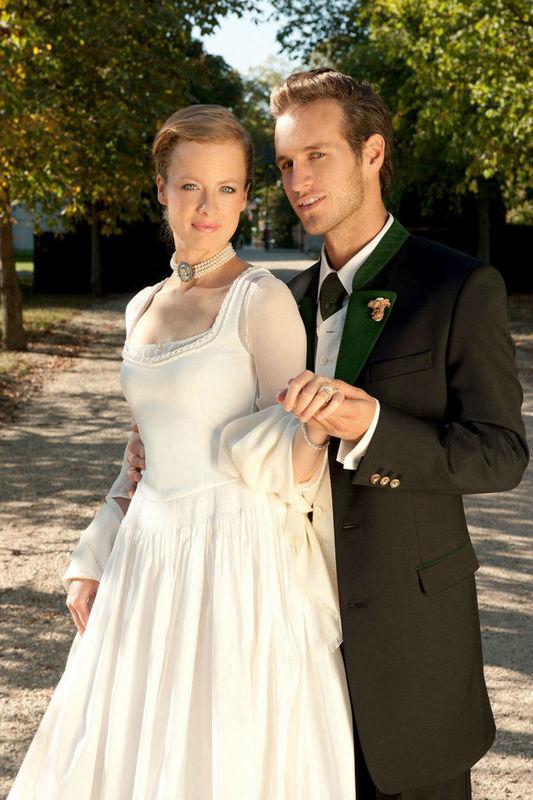 Beispiel: Hochzeitstrachten, Foto: Gössl - Tracht heute.
