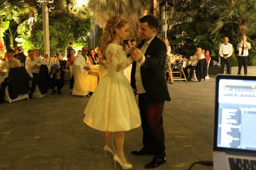 Beispiel: Brautpaar beim Hochzeitstanz, Foto: Swiss Event.
