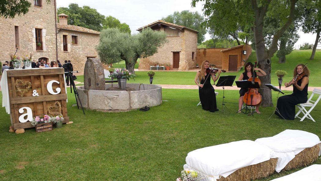 Ceremonia civil en la finca Mas Terrats de Pontós (Girona)